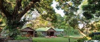 Mer om Mount Meru Game Lodge.